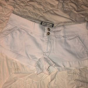 abercrombie and fitch A&F sand white shorts